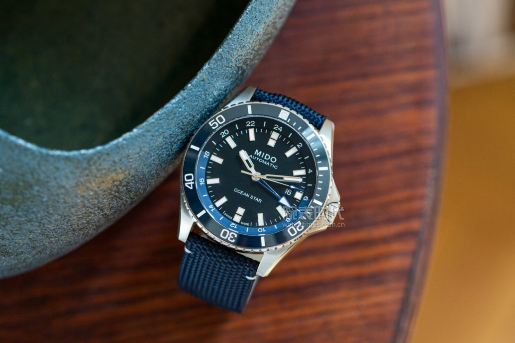 不到万元,美度新款领航者GMT腕表