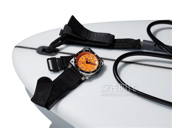 K10-27-BR03-diver-orange-INSTA-K10-2509