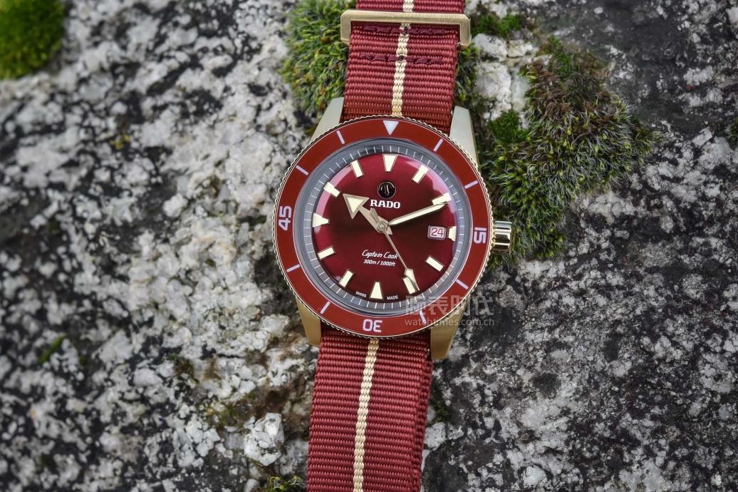 红色的雷达库克船长青铜腕表,它来了