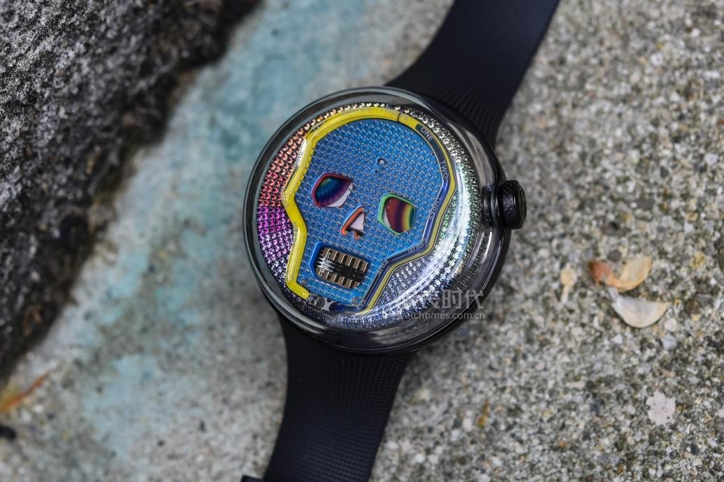 劳力士彩虹迪都弱爆了,你见过这样的彩虹腕表吗?