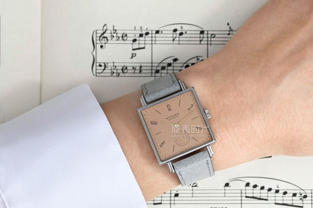 大写的服!NOMOS新款交响乐系列腕表