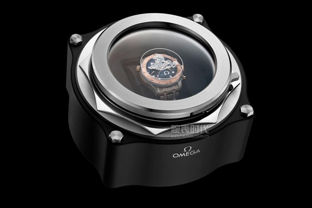 omega-Seamaster-Diver-300M-Chronograph-Gold-Titanium-Tantalum-6-1536x1024