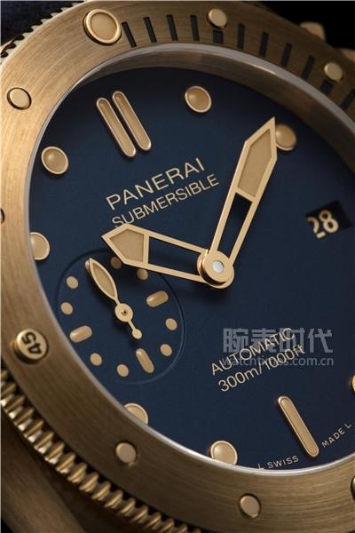 沛纳海Submersible Bronzo Blu Abisso潜行系列青铜腕表(PAM01074)_情景图 (2)