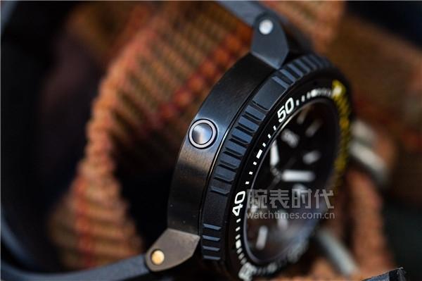 3万出头,为什么说豪利时AquisPro 400自主机芯日历腕表仍然超值?
