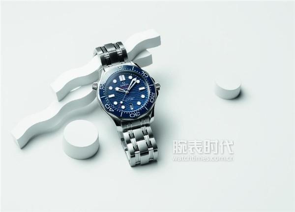 绅士的深海之选 欧米茄海马系列300米潜水表