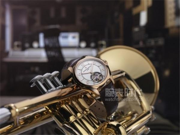 Fiftysix__伍陆之型系列的首款高级复杂功能腕表—— 超薄自动陀飞轮
