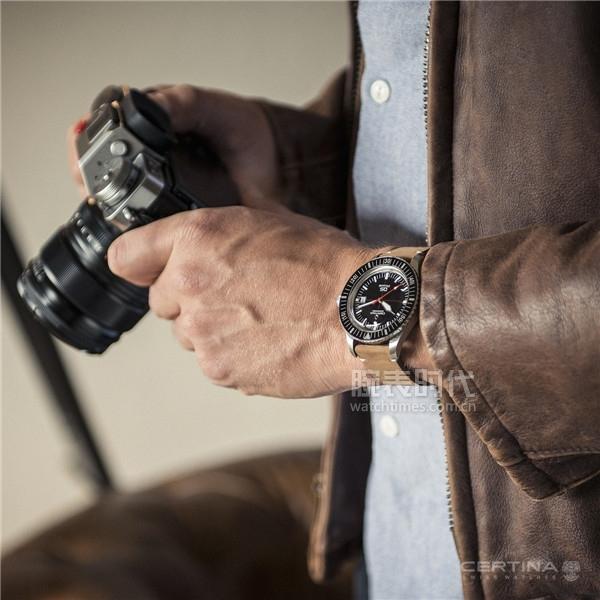 戴过的他说:雪铁纳PH200M腕表这两点很良心