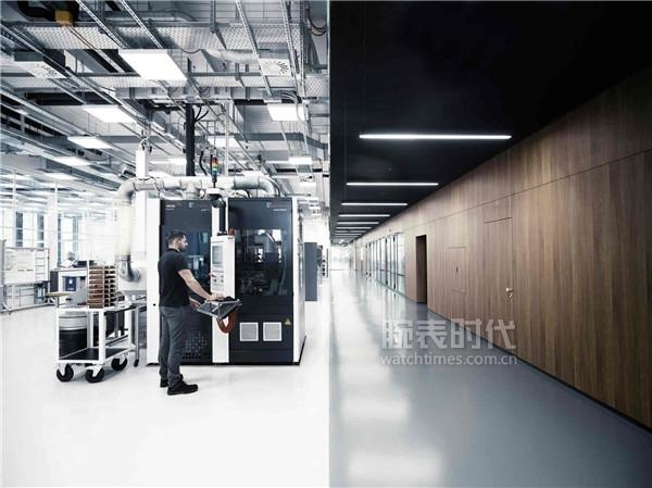 IWC万国表全新制表中心_机芯部件生产车间