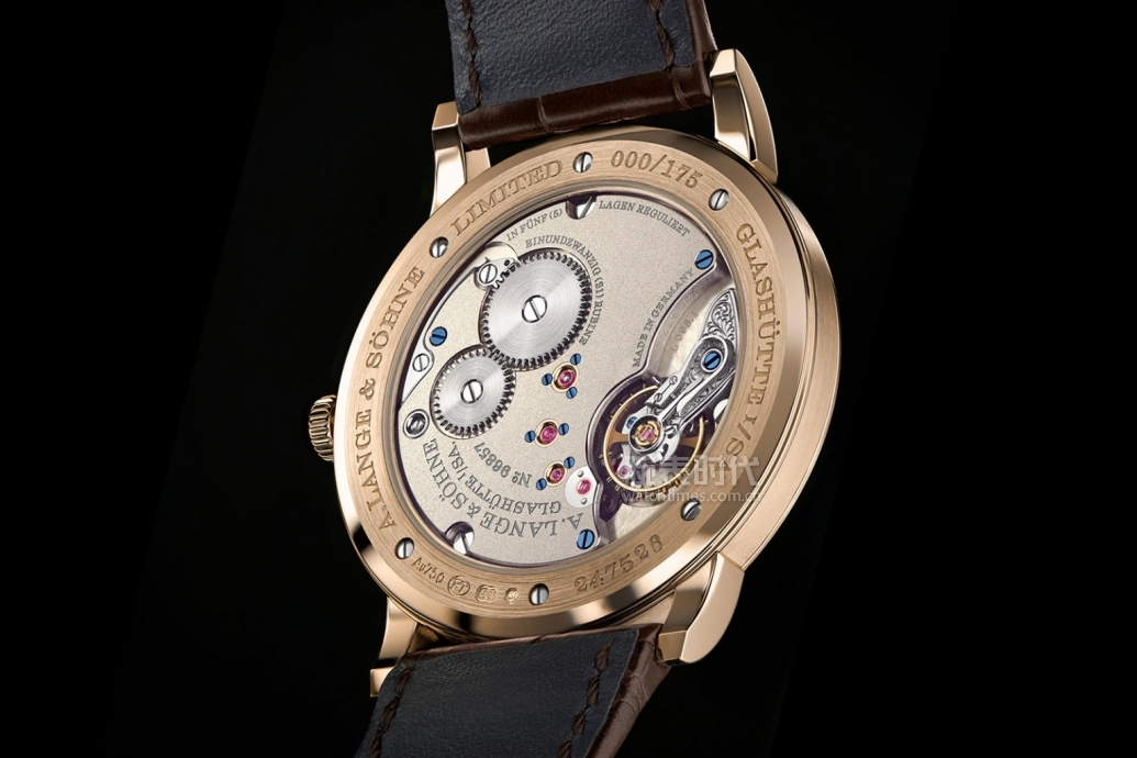 lange-homage-175th-1815-thin-honeygold-5-1536x1024