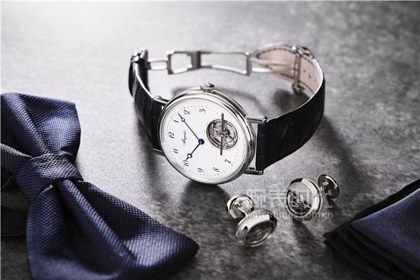 2.宝玑Classique经典系列5367超薄自动上链陀飞轮腕表