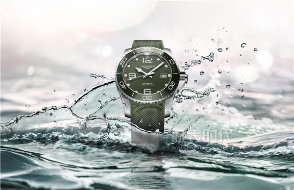 浪琴表康卡斯潛水系列綠色腕表_L3.781.4.06.9情境圖1