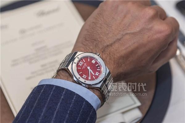萧邦雪山傲翼红盘限量版腕表,仅10枚,已经买不到了