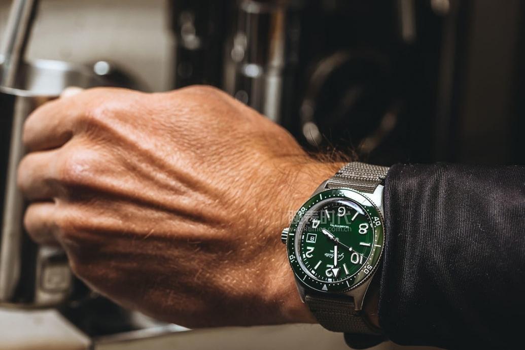 格拉苏蒂原创SeaQ腕表,绿了