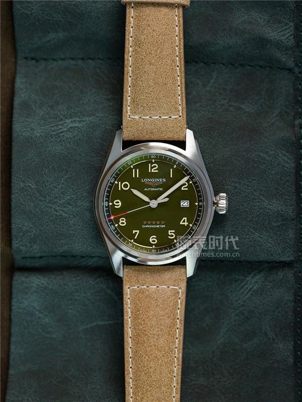 如果只能選一只浪琴,我會選擇這款先行者系列綠盤腕表
