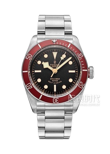 pre-owned-tudor-black-bay-red-bracelet