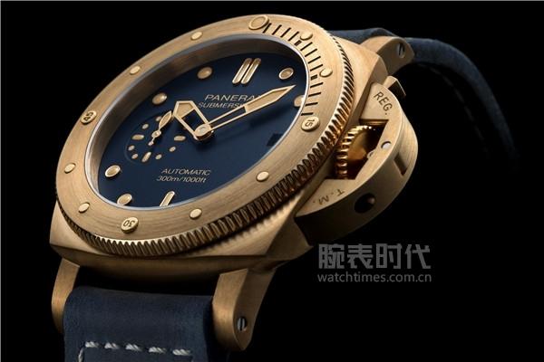 沛纳海Submersible Bronzo Blu Abisso潜行系列青铜腕表(PAM01074)_情景图 (3)