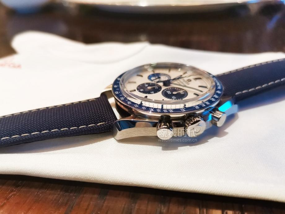 """戴上就不想摘下,歐米茄""""史努比獎""""50周年紀念腕表"""