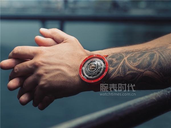 想紅要趁早,十款2019紅盤腕表
