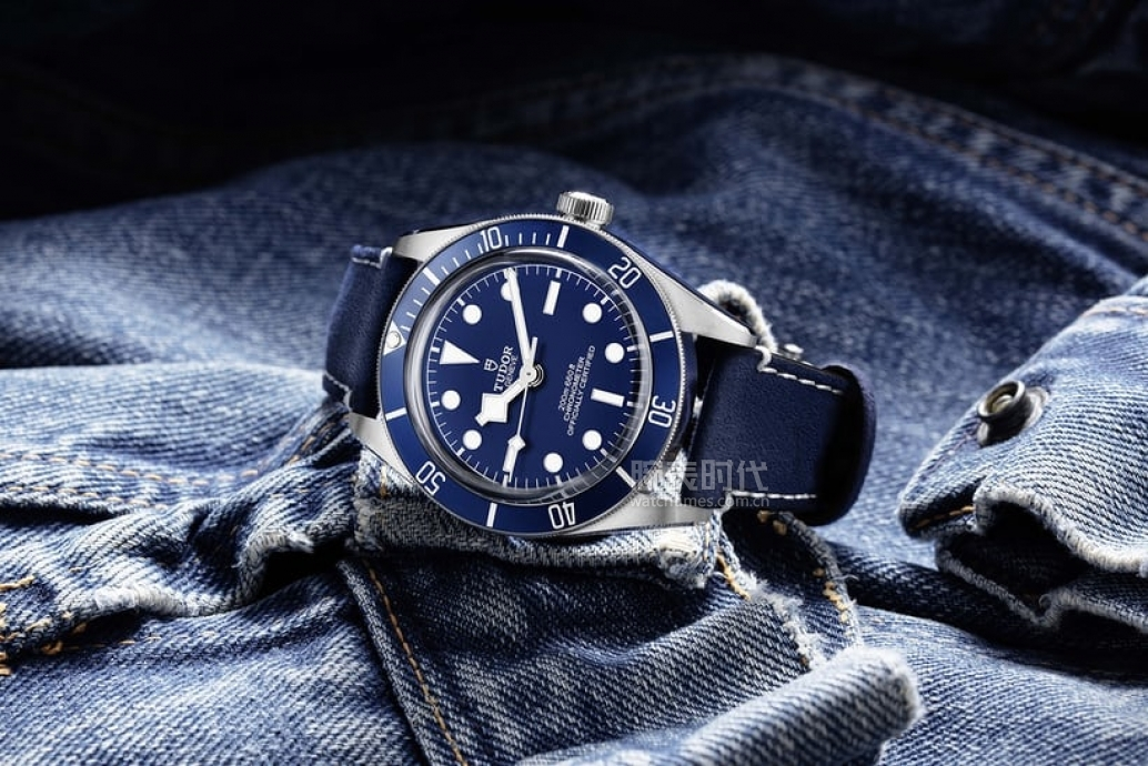 bb58-blue-tudor-2